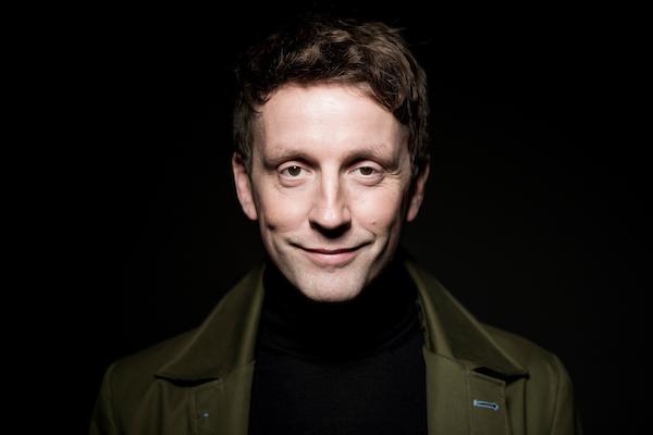 Der deutschsprachige Singer-Songwriter Ulrich Zehfuß. Foto: Thommy Mardo.